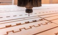 Znakowanie drewna i powierzchni drewnopodobnych. - znakowanie drewna Boltmark na ploterze CNC 0001 AdobeStock 291288777
