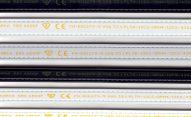 Małe pismo - nadruk żółty naościeżnicach małe pismo