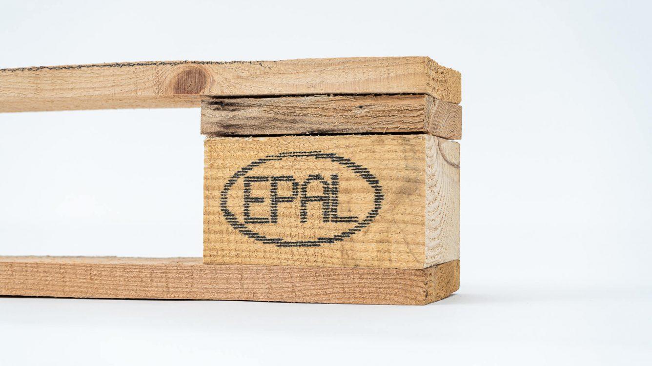 Znakowanie drewna i powierzchni drewnopodobnych. - znakowanie drewna Handjet EBS 260 wydruk epal na drewnianej palecie DSC00006