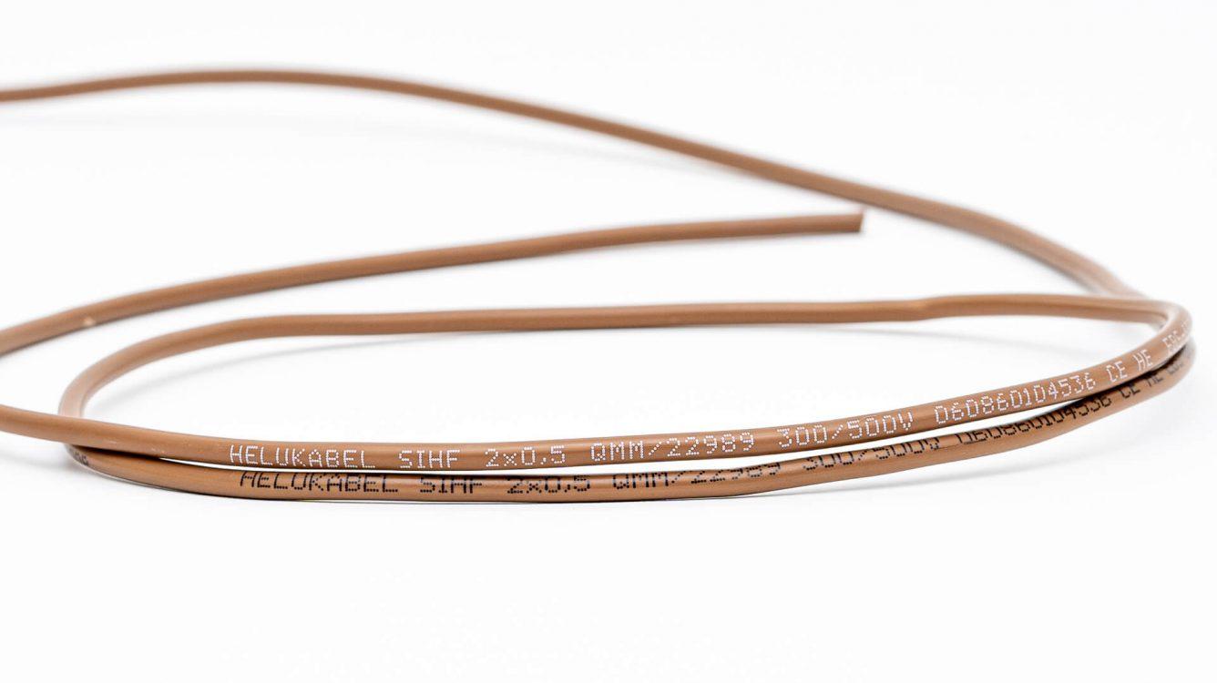 Przemysł kablowy - kabel brązowy biały i czarny wydruk EBS 6800P DSC00064 e1601028950690
