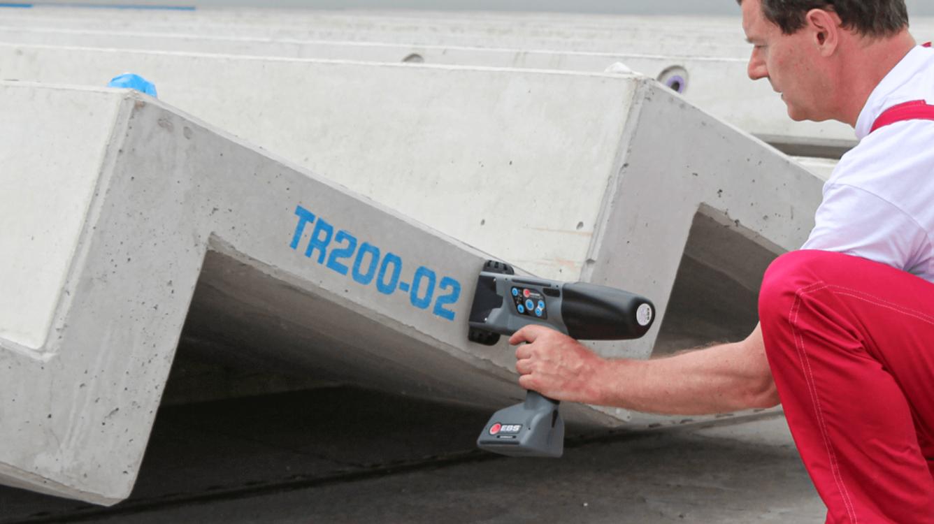 Znakowanie betonu i prefabrykatów betonowych - Handjet EBS 260 znakowanie prefabrykatow betonowych 8